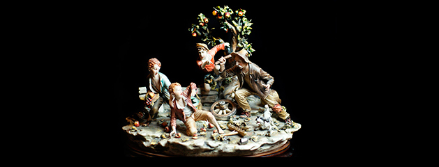 Children stealing fruits, Capo di monte porcelain figurines