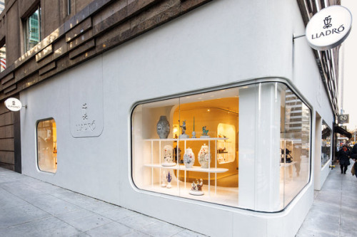 Lladro's new strategy attracts new customers